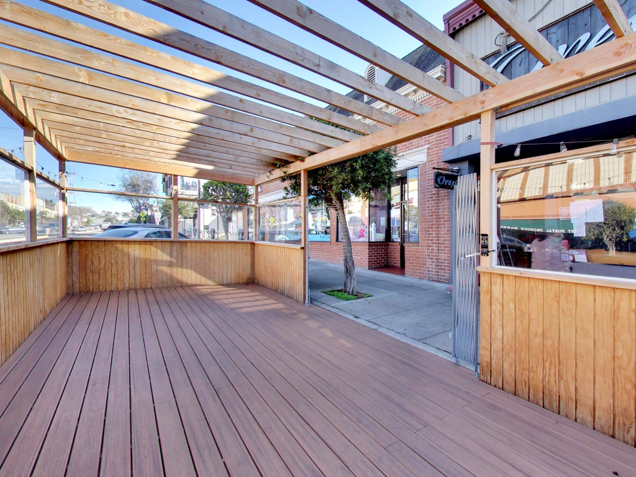 243 West Portal Outdoor Dining